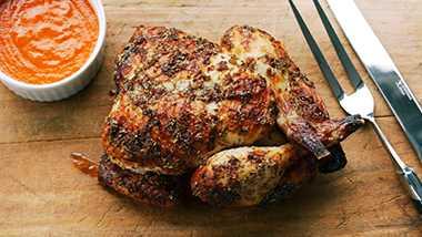 チキンを1羽まるごと! 『SATURDAY WHOLE CHICKEN』